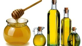 honey-and-olive-oil-–-the-special-home-made-lotion-for-breasts-massaging